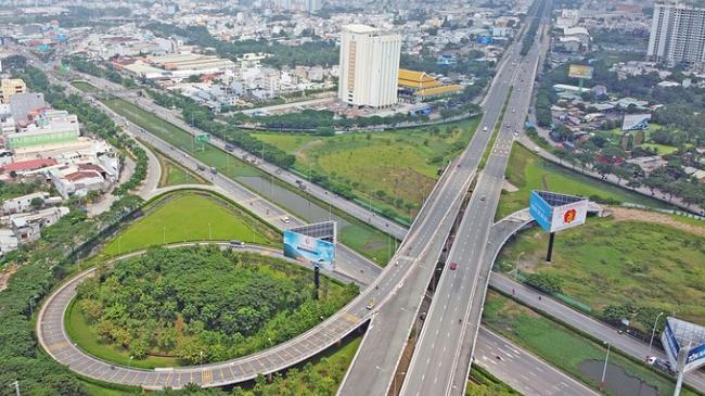 TP.HCM ưu tiên vốn cho hạ tầng kết nối với đồng bằng sông Cửu Long