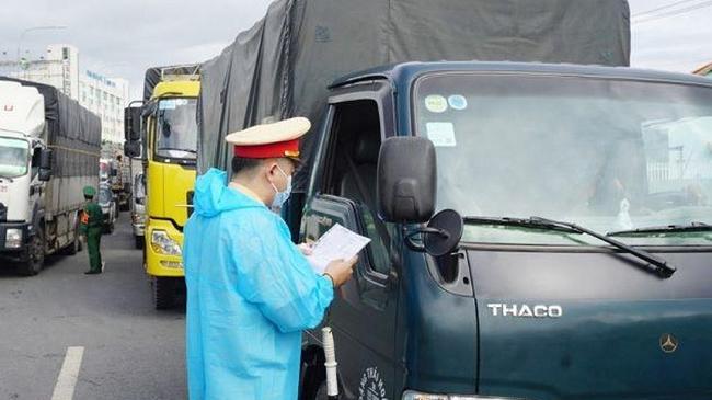 Đề xuất ưu tiên vaccine cho lao động ngành vận tải và logistics