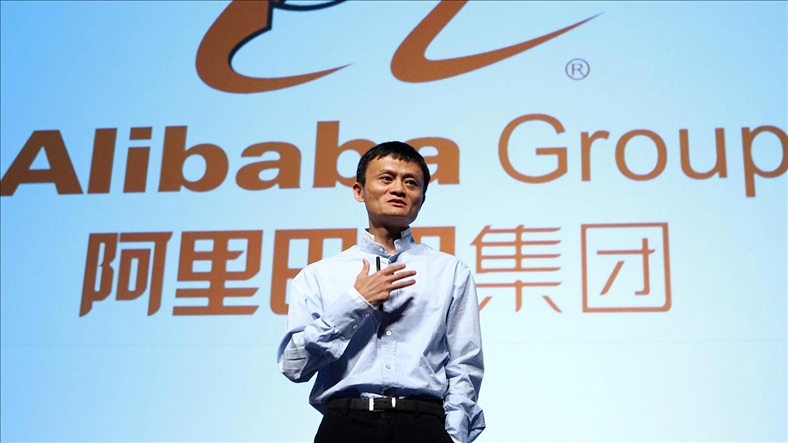 """Alibaba sắp soán ngôi """"nhà bán lẻ trực tuyến lớn nhất thế giới"""" của Amazon"""