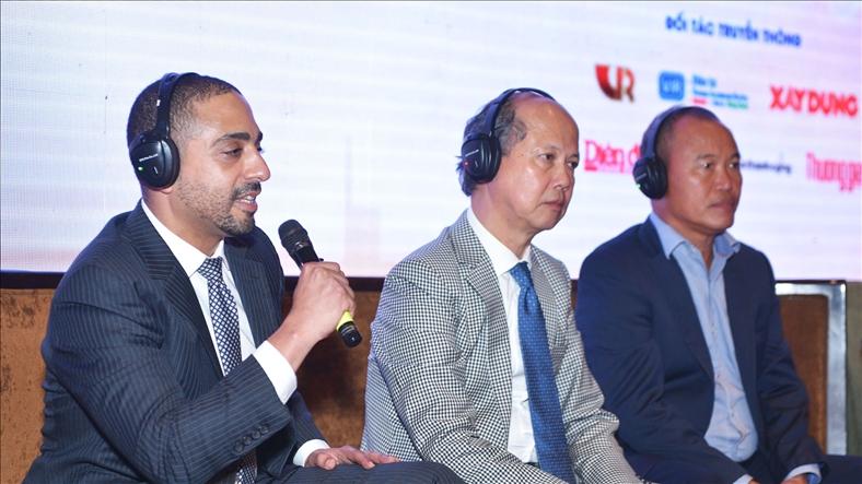 Ông Michael Piro, Giám đốc điều hành Indochina Capital, trả lời tọa đàm
