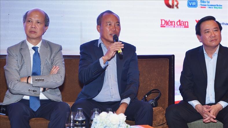 Ông Nguyễn Xuân Quang - Chủ tịch HĐQT Tập đoàn Nam Long trả lời câu hỏi tại phần Tọa đàm của Hội thảo