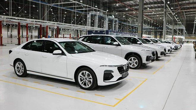 VinFast tiếp tục tăng giá bán xe ô tô