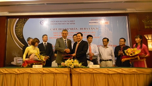 Huba ký thoả thuận hợp tác toàn diện với AmCham