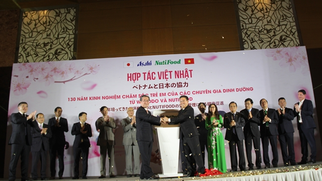 Đại gia sữa Nhật Bản bắt tay Nutifood tấn công thị trường Việt Nam