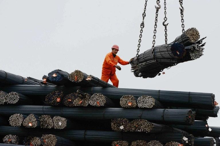 Tăng trưởng kinh tế toàn cầu được thể hiện qua nhu cầu kim loại như thế nào?