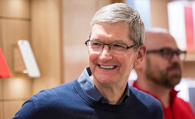 Một ngày của CEO Apple: Thức dậy trước 4h sáng và thu về 102 triệu USD vào năm 2017
