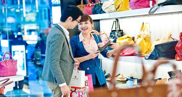 Nielsen: Đàn ông Việt ngày càng chủ động trong việc mua sắm