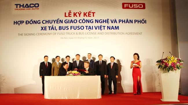 THACO thay Mercedes-Benz độc quyền phân phối xe FUSO tại Việt Nam