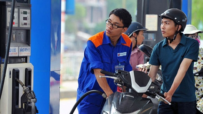 'Đề xuất tăng thuế xăng dầu của Bộ Tài chính là chưa hợp lý'