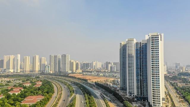 Quan điểm trái chiều về dấu hiệu suy thoái của thị trường bất động sản