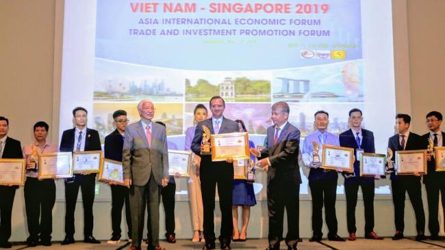 FE Credit đạt Top 10 thương hiệu được tin dùng nhất châu Á