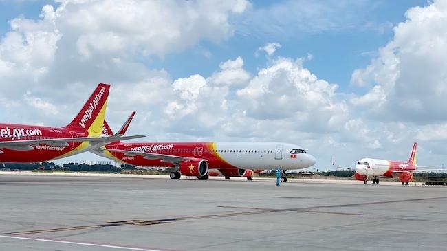 Cục Hàng không lý giải về áp giá sàn vé máy bay