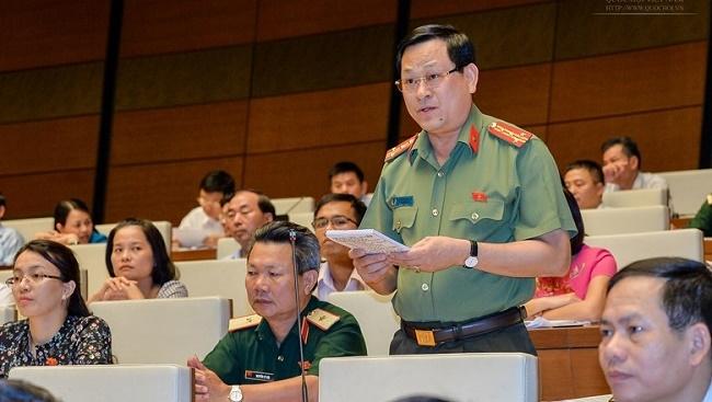 Đại biểu Nguyễn Hữu Cầu: Mạnh dạn cắt giảm cấp trung gian trong các bộ, ngành
