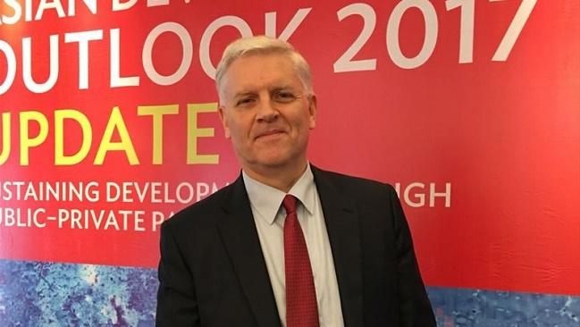 Giám đốc ADB tại Việt Nam: Cố tăng trưởng tín dụng sẽ gặp hai rủi ro lớn