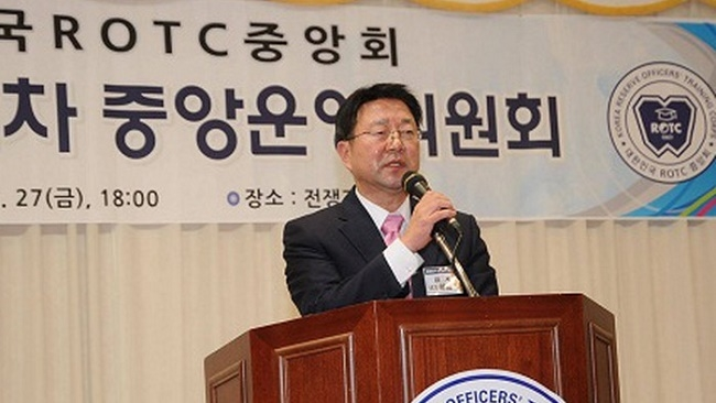 Cựu CEO Samsung tiết lộ chuyện 'chấp nhận kẻ thù là thầy'