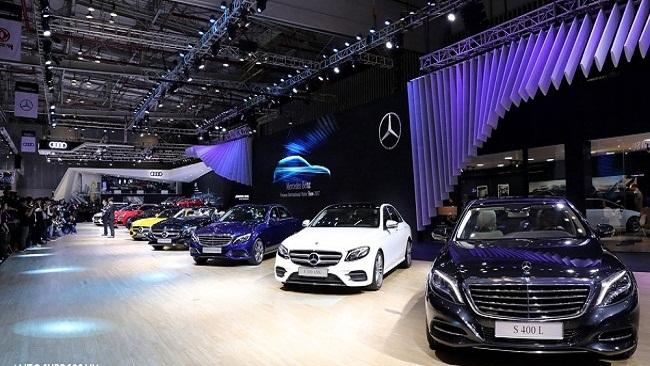 Một tuần chỉ có 3 xe ô tô dưới 9 chỗ nhập khẩu về Việt Nam