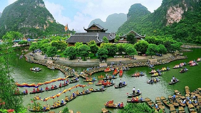 Ứng xử với tài nguyên, văn hóa và chuyện du lịch bền vững