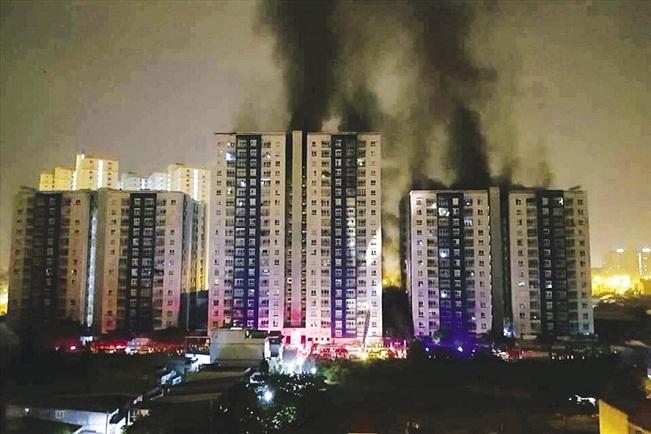 Những bài học đắt giá từ vụ cháy chung cư Carina Plaza
