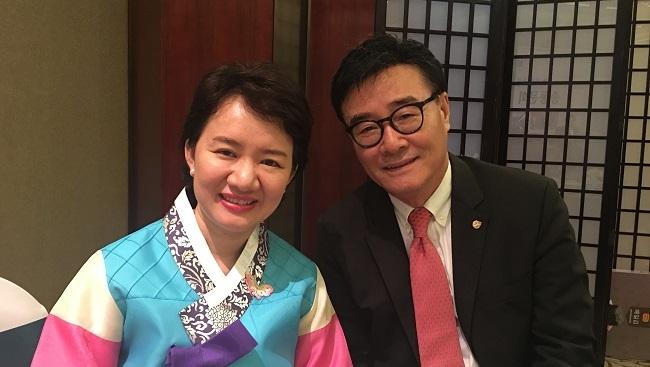 Bí quyết quản trị 'cơm lành canh ngọt' của vợ chồng chủ thương hiệu kim chi Ông Kim's
