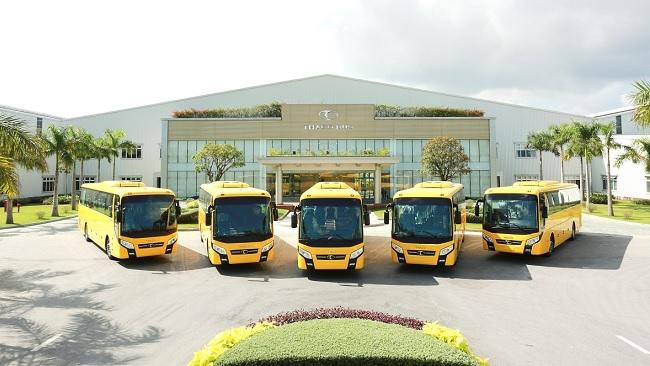Xuất khẩu xe buýt thương hiệu Việt