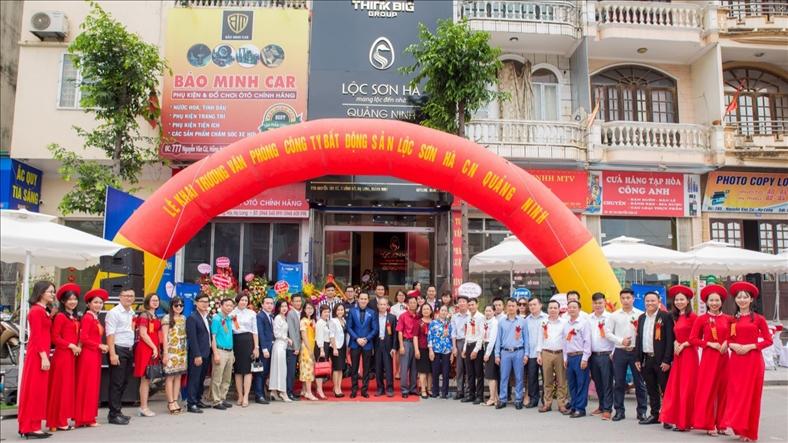 Hàng loạt sàn giao dịch bất động sản ở Quảng Ninh vi phạm luật