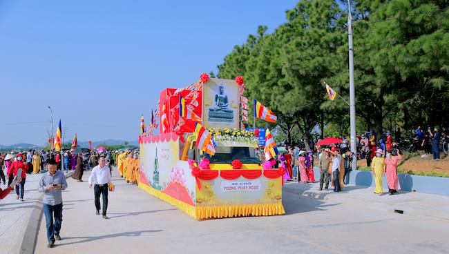 Lễ rước tượng Phật ngọc chùa Quỳnh Lâm 3