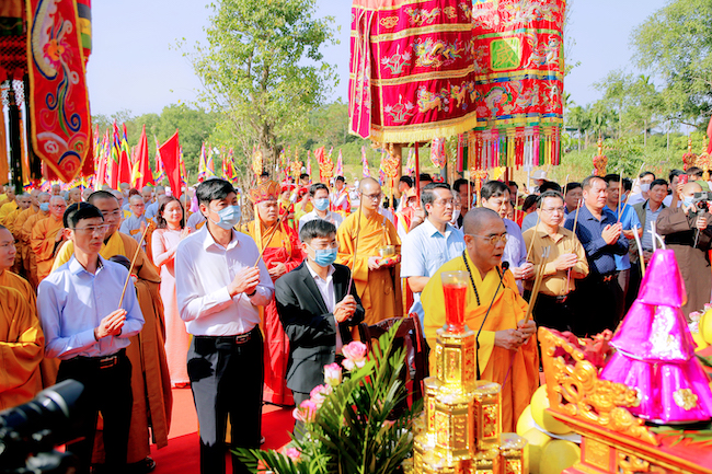 Lễ rước tượng Phật ngọc chùa Quỳnh Lâm