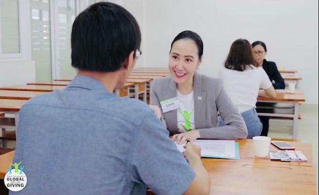 Làm CSR kiểu mới – Khi CEO cũng livestream bán hàng