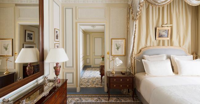 Chuyện về cha đẻ khách sạn yêu thích của Coco Chanel, Ernest Hemmingway
