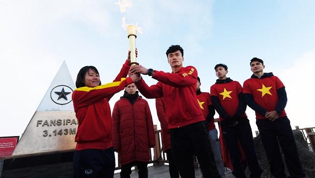 Sun Group tặng kỳ nghỉ dưỡng cao cấp cho tuyển bóng đá nam và nữ Việt Nam