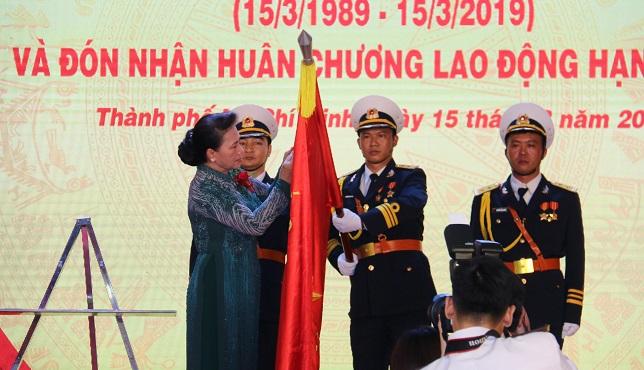 Tân cảng Sài Gòn nhận Huân chương Lao động hạng Nhất