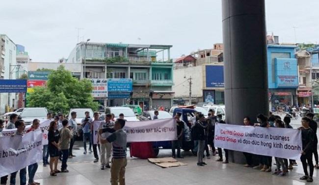 Central Group lên tiếng về việc ngừng nhập hàng may mặc Việt Nam 1