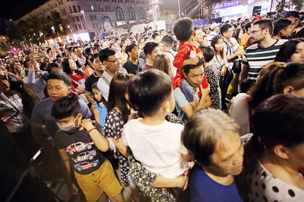 Đường hoa Nguyễn Huệ, điểm hút khách du lịch dịp tết nguyên đán 2
