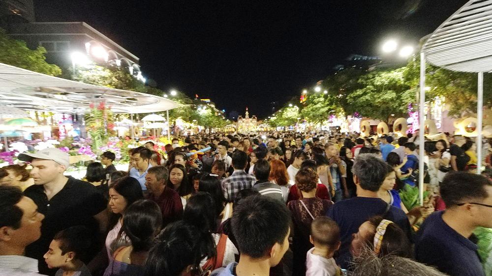 Đường hoa Nguyễn Huệ, điểm hút khách du lịch dịp tết nguyên đán 3