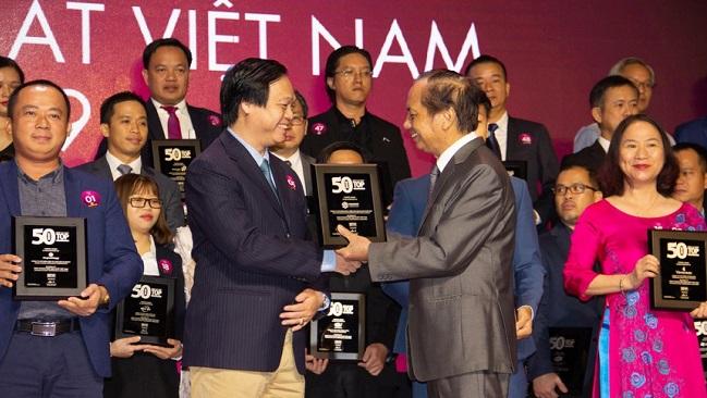 """Phát Đạt được vinh danh """" Top 50 công ty kinh doanh hiệu quả nhất Việt Nam 2019"""""""