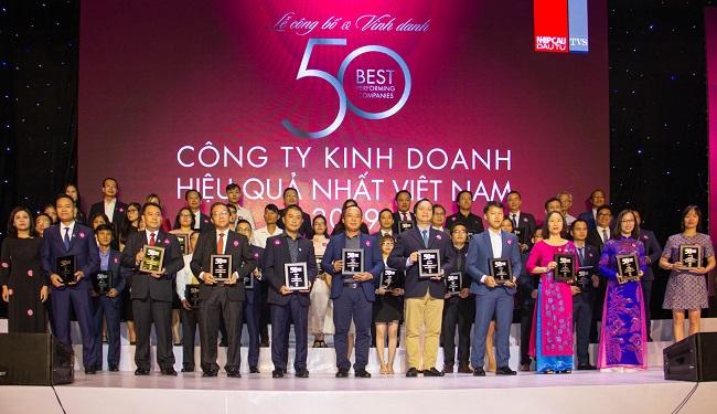 """Phát Đạt được vinh danh """" Top 50 công ty kinh doanh hiệu quả nhất Việt Nam 2019"""" 1"""