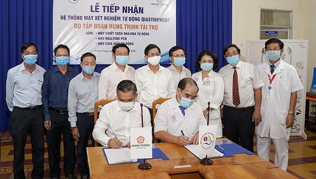 Hưng Thịnh tặng máy xét nghiệm QIAsymphony cho bệnh viện tỉnh Khánh Hòa