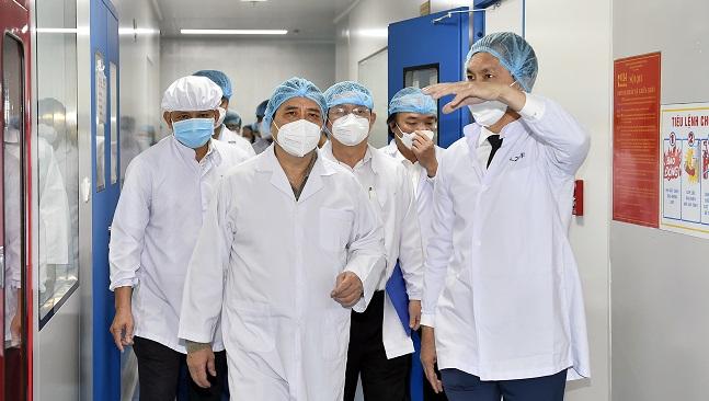 Thủ Tướng: Lập tổ hỗ trợ sản xuất vaccine phòng Covid -19