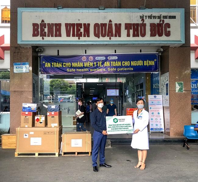 Van Phuc Group tặng hệ thống xét nghiệm Covid-19 tự động cho hai bệnh viện tại TP. Thủ Đức