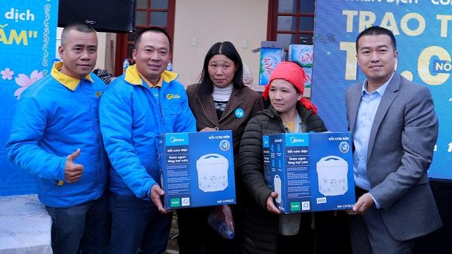 Điện Máy Xanh trao 10.000 nồi cơm điện cho người nghèo dịp Tết 5