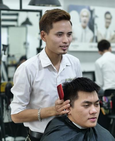 Từ văn hóa phục vụ tới tinh thần liên tục đổi mới ở chuỗi tóc số 1 Việt Nam 1
