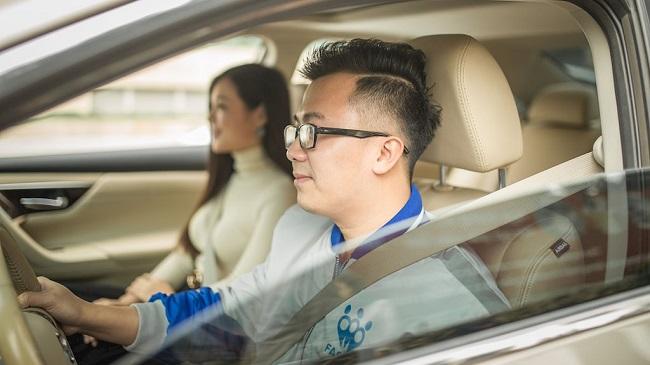 Dừng thí điểm taxi công nghệ, Grab, FastGo toan tính gì? 1