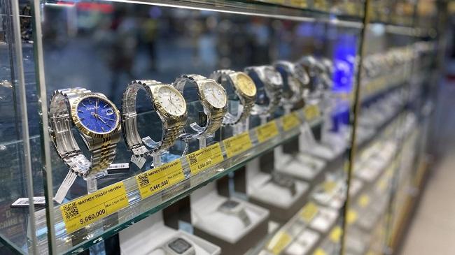 Thế Giới Di Động bán đồng hồ 6 tháng dịch bằng cả năm 1