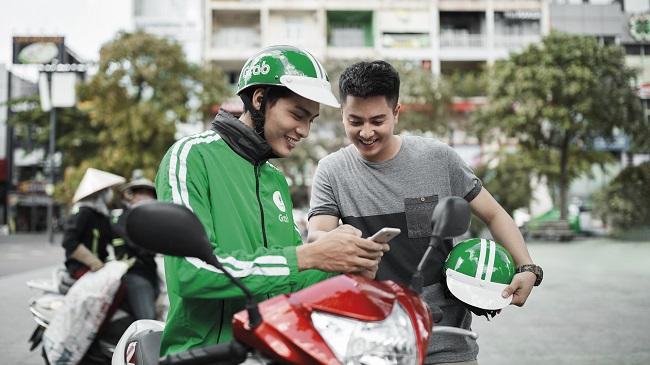 Ứng dụng đầu tiên cho thuê xe máy kèm tài xế