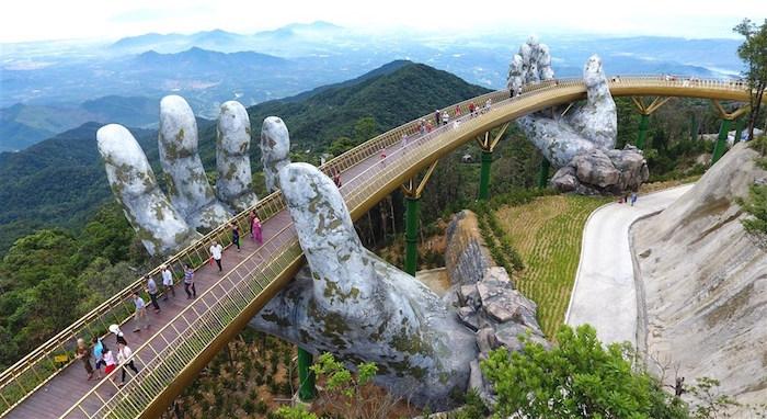 Làm sao để du lịch Việt bớt phụ thuộc vào khách Trung và Hàn?