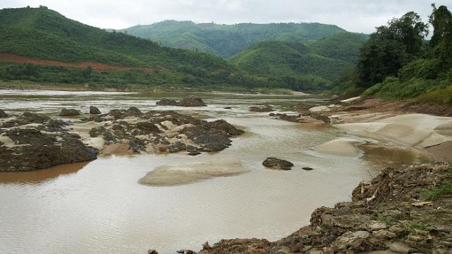 Những mảnh đời vất vưởng sau hàng trăm con đập dọc sông Mê-Kông