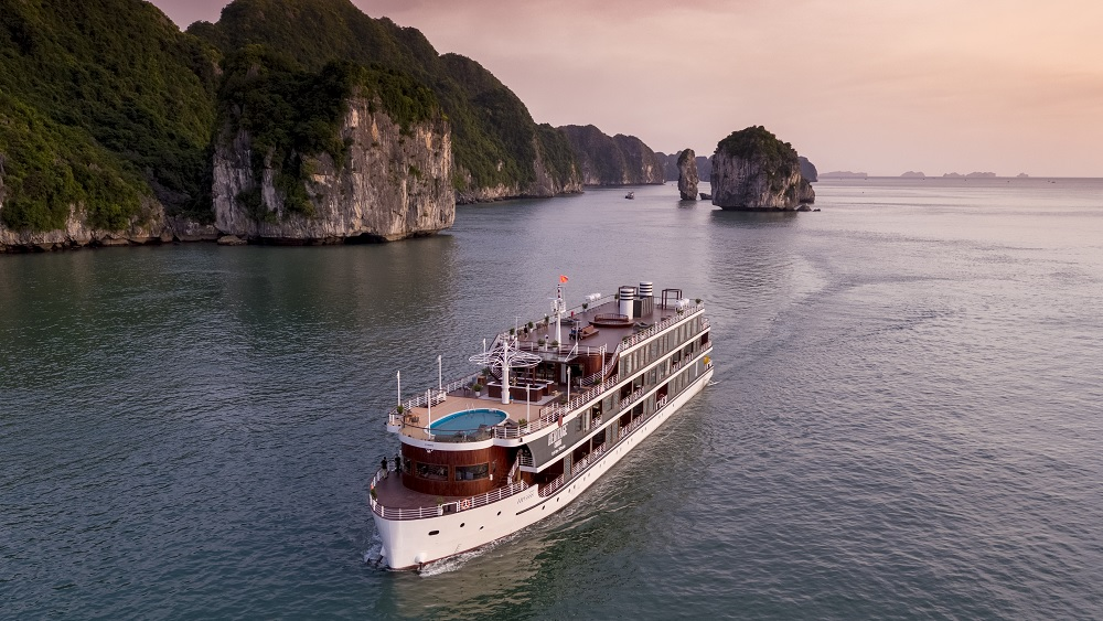 Khám phá quần đảo Cát Bà trên du thuyền sang chảnh bậc nhất 3