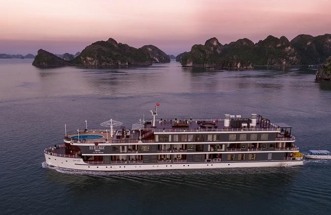 Khám phá quần đảo Cát Bà trên du thuyền sang chảnh bậc nhất