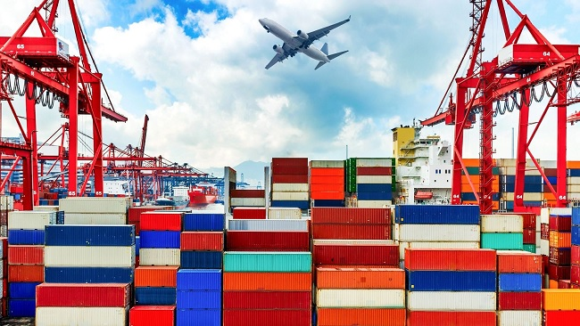 Việt Nam lọt tốp đầu thế giới về dự báo tăng trưởng kinh tế