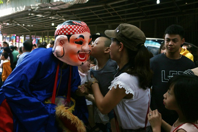 Đồng Kỵ tưng bừng lễ hội rước pháo đầu năm 13